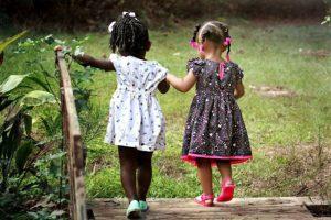 Membangun Alam sebagai Hak Asasi Manusia untuk Anak-anak